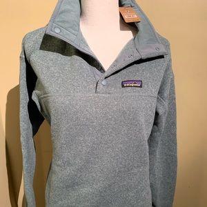 NWT - Patagonia 1/4 Snap pullover top.